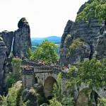Die Bastei in der sächsischen Schweiz - © Gerhard Helminger  / pixelio.de