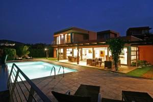 Salobre Villa bei Nacht