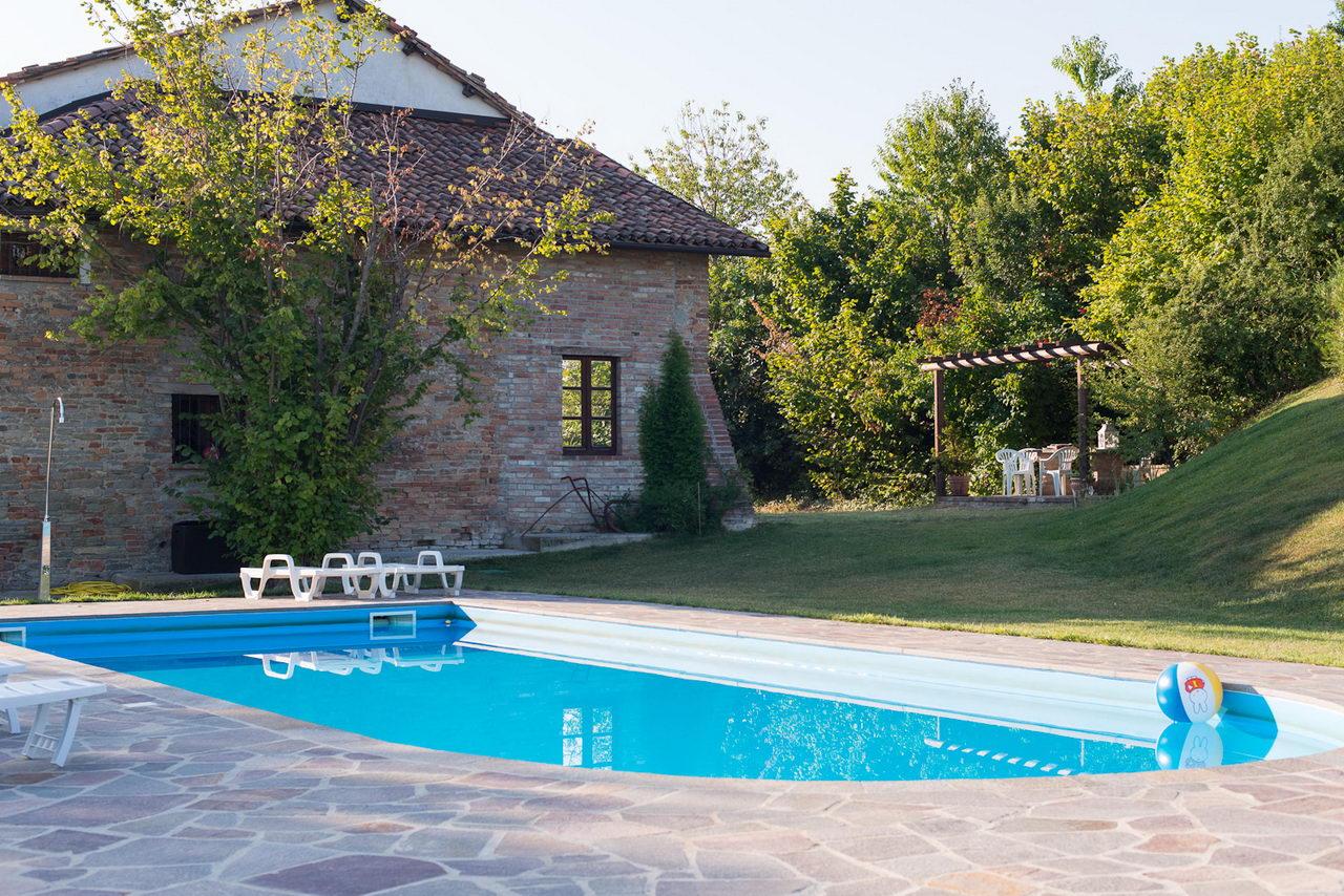 hochwertige baustoffe ferienhauser deutschland mit pool. Black Bedroom Furniture Sets. Home Design Ideas